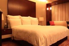 Lyxigt hotellrum Royaltyfria Bilder