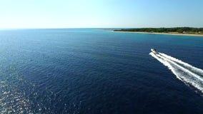Lyxigt kryssa omkring för yacht stock video