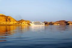 Lyxigt kryssningskepp på sjön Nasser egypt Royaltyfri Fotografi
