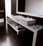 lyxigt modernt för badrum Royaltyfria Bilder