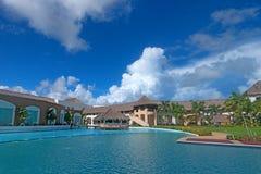 Lyxigt tropiskt hotell Royaltyfri Bild