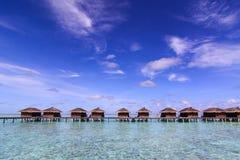 lyxigt vatten för maldives havsvilla Royaltyfria Bilder