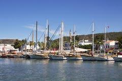 Lyxyachter och seglar fartyg arkivbilder