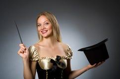 Mágico da mulher com varinha mágica Fotografia de Stock