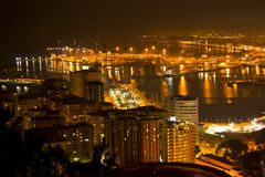 Málaga por noche fotos de archivo libres de regalías
