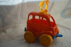 máquina anaranjada del juguete fotos de archivo libres de regalías