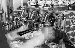 Máquina BW de Cappucino Imagen de archivo libre de regalías