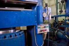 Máquina da imprensa hidráulica, painel de controle imagens de stock