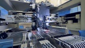 A máquina da placa de circuito produz a placa eletrônica digital impressa 4K filme