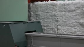 Máquina de cardado en fábrica de la materia textil almacen de video