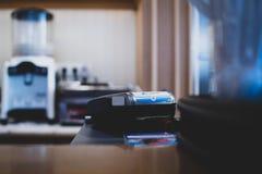 Máquina de cartão do crédito bancário de Caixa fotografia de stock royalty free