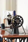 Máquina de coser de la vendimia vieja Fotografía de archivo
