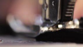 Máquina de coser e item de la ropa Macro almacen de video