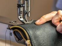 Máquina de coser industrial Fotos de archivo libres de regalías