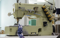 Máquina de coser industrial Fotos de archivo