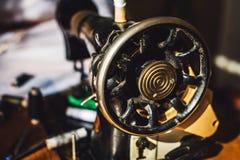 Máquina de coser de la vendimia imagen de archivo