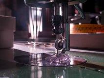 Máquina de coser Taller de costura Imágenes de archivo libres de regalías