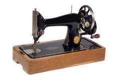 Máquina de coser vieja. Foto de archivo