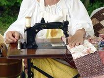 Máquina de costura antiga Fotografia de Stock Royalty Free