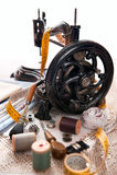 Máquina de costura antiga e jogo sewing Fotos de Stock Royalty Free