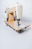 Máquina de costura elétrica, de creme Foto de Stock