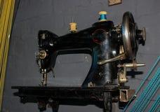 máquina de costura, forma do vintage e estilo retro 60s 70s Fotografia de Stock Royalty Free
