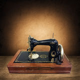 Máquina de costura velha foto de stock