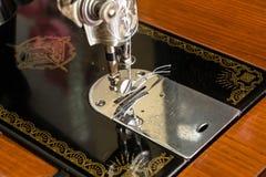 Máquina de costura velha pronto para uso Fotos de Stock