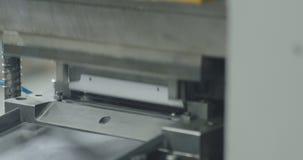 Máquina de dobra do metal Linha de produção vídeos de arquivo
