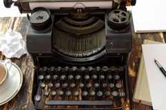 Máquina de escrever retro Imagens de Stock Royalty Free