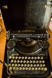 Máquina de escribir del sotobosque a partir de los años 30 del siglo pasado Foto de archivo