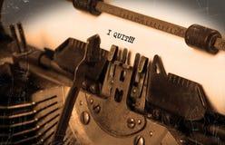 Máquina de escribir del vintage - abandoné, concepto de abandono Imagen de archivo