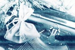 Máquina de escribir del vintage para la Navidad Fotos de archivo libres de regalías