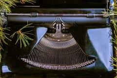 Máquina de escribir del vintage para la Navidad Foto de archivo libre de regalías