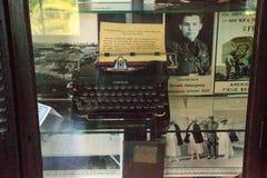 Máquina de escribir en la casa de los €™s de Ernest Hemingwayâ en Key West, la Florida fotografía de archivo libre de regalías