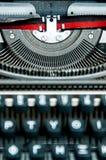 Máquina de escribir griega-inglés vieja imagen de archivo
