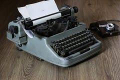 Máquina de escribir retra Imagen de archivo libre de regalías