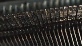 Máquina de escribir vieja del vintage, primer almacen de metraje de vídeo