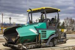 Máquina de espalhamento parada do asfalto Imagem de Stock Royalty Free