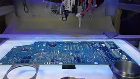 Máquina de la automatización en la fabricación moderna almacen de video