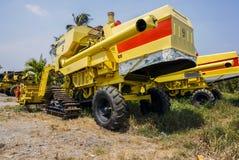 Máquina de la cosecha del arroz Fotos de archivo