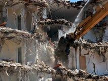 Máquina de la demolición del edificio Fotos de archivo