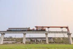 Máquina de la erección del puente ferroviario Imagen de archivo libre de regalías