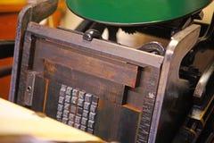 Máquina de la prensa de copiar con el tipo del metal fotografía de archivo libre de regalías