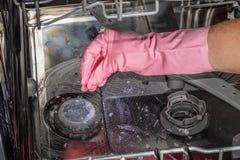 Máquina de lavagem da louça do interior Esgoto obstruído foto de stock royalty free