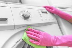 Máquina de lavar fêmea da lavagem da mão Imagem de Stock Royalty Free