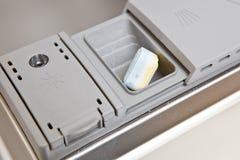 Máquina de lavar louça com aba Imagem de Stock Royalty Free