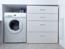 Máquina de lavar no banheiro Imagem de Stock Royalty Free