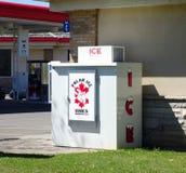 Máquina de los cubos de hielo Imagen de archivo