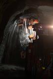 Máquina de mineração para a perfuração do explosão-furo imagens de stock royalty free